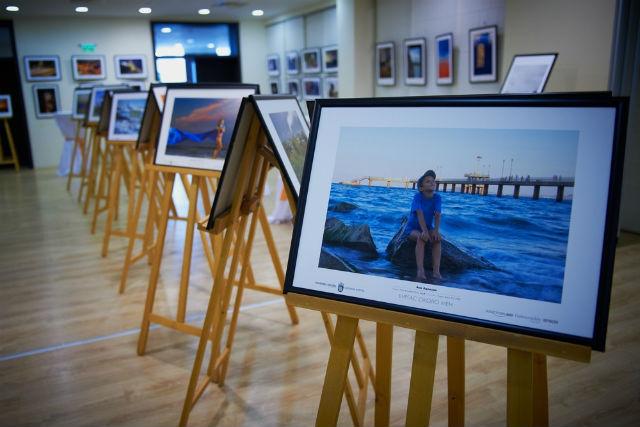 Бургаска фотографска общност открива изложба в БСУ